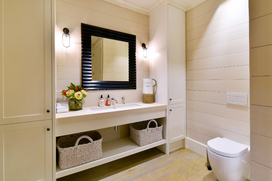 Ultimate Luxury - JD Glover Homes -powder room-370